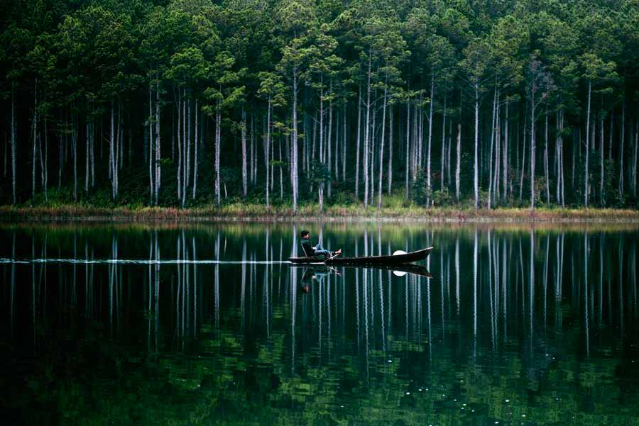 Silent Lake Photo by Ngo Thanh Huu